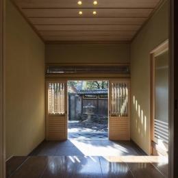 土間空間のある家−築80年の民家再生− (玄関)