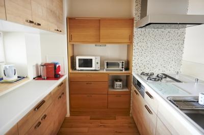 キッチン (無垢材のフローリングにこだわって。木の温もりにつつまれた優しい住まい)
