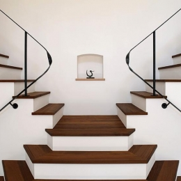 舞踏家の家 (階段)