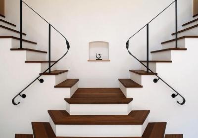 階段 (舞踏家の家)