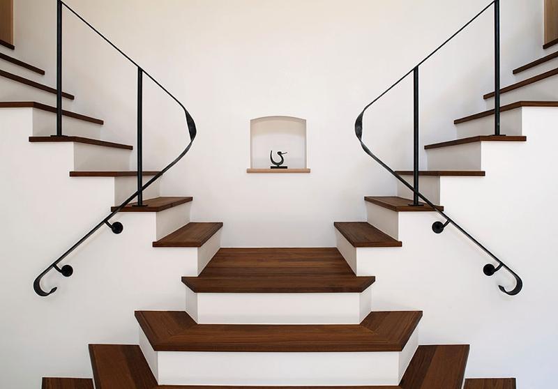 ある舞踏家の家の部屋 階段