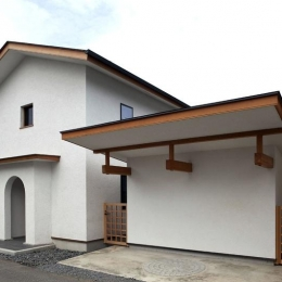 舞踏家の家 (外観・駐車スペース)