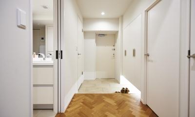 ブリュッセルのアパートメントのように、家族が心地よく過ごせる空間に暮らしたい (玄関スペース)