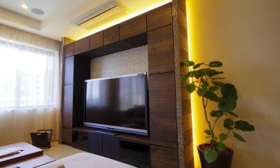 奥さまの家事動線と収納量にこだわった間接照明のあるリノベーション