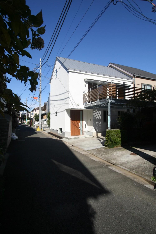 柿の木坂-T (二世帯住居から三世帯住居に増築した外観)