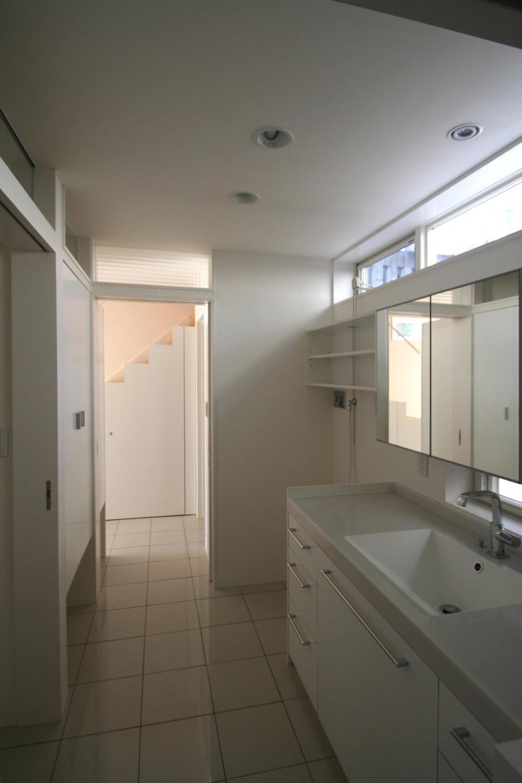 柿の木坂-T (白い洗面室)