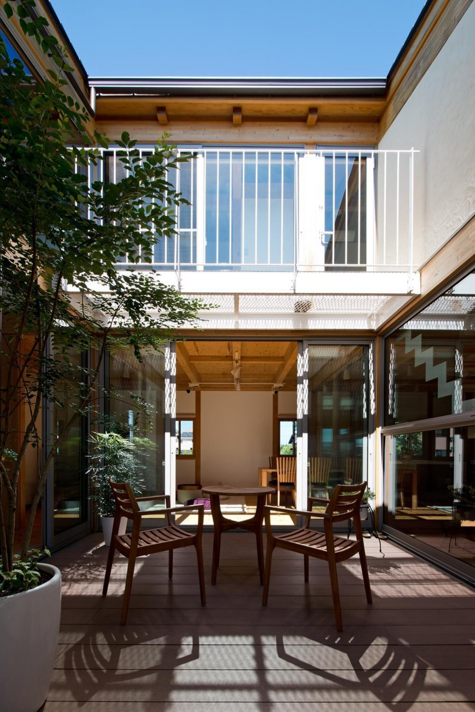 中庭のある国産杉の香りがする展示場 (8畳の中庭)