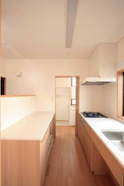 1階、親世帯のキッチン (田端の家(お茶室と防音室のある2世帯住宅))