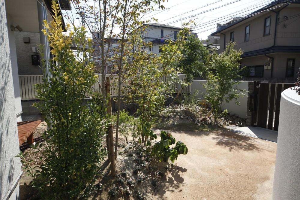 西新の家 (庭)