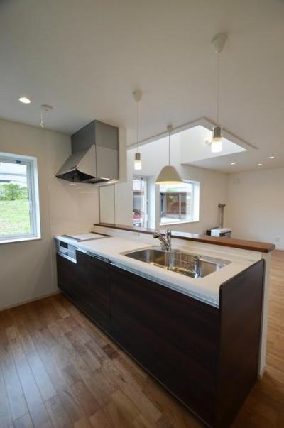キッチン (夜景の見える家)