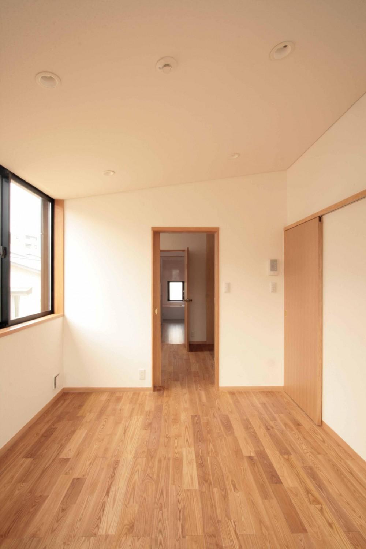 田端の家(お茶室と防音室のある2世帯住宅) (2階、子世帯の主寝室)