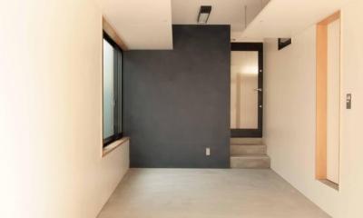 田端の家(お茶室と防音室のある2世帯住宅) (ビルトインガレージ(兼作業室))
