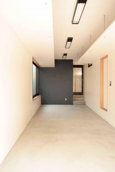 ビルトインガレージ(兼作業室) (田端の家(お茶室と防音室のある2世帯住宅))