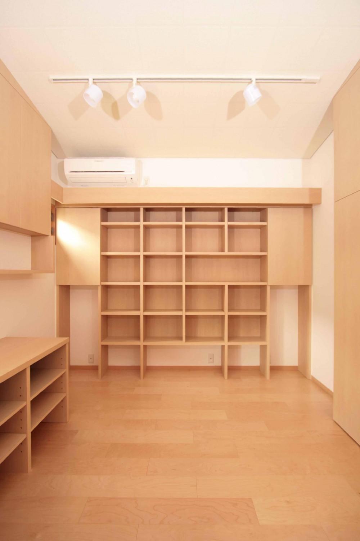 田端の家(お茶室と防音室のある2世帯住宅) (防音室(音楽練習室兼書斎))