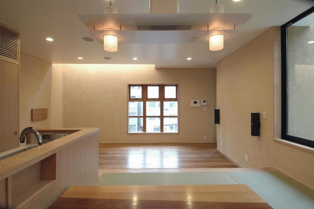 市ヶ谷の家(中庭形式の都市型2世帯住宅・外断熱の家) (2階、リビング・ダイニング)