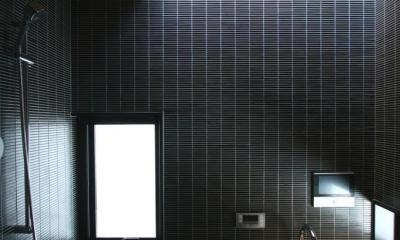 3階、浴室|市ヶ谷の家(中庭形式の都市型2世帯住宅・外断熱の家)