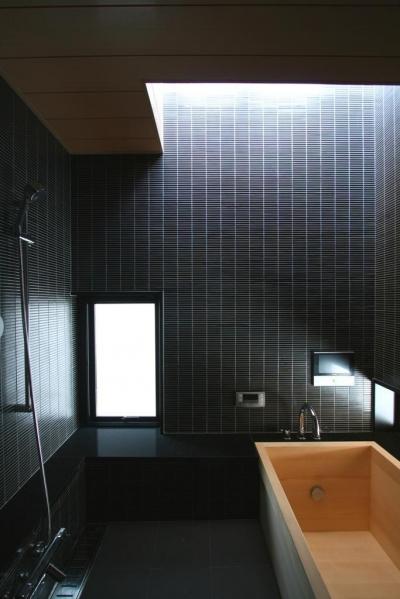 3階、浴室 (市ヶ谷の家(中庭形式の都市型2世帯住宅・外断熱の家))