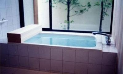 世田谷の事務所併用住宅 ー伽留羅(カルラ)ー (浴室)