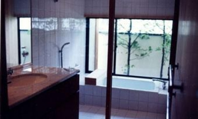 浴室|伽留羅ー世田谷の事務所併用住宅