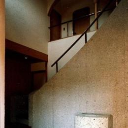 世田谷の事務所併用住宅 ー伽留羅(カルラ)ー (玄関ホール)