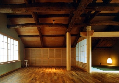 居間と座敷 (岡谷の民家再生)