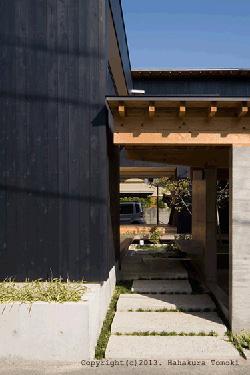 内原の家の部屋 玄関アプローチ