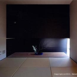 竈山の家 (琉球畳を敷き詰めた和室)
