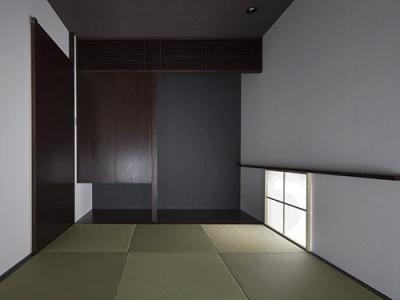 琉球畳を敷き詰めた和室 (朝日の家 Ⅱ)