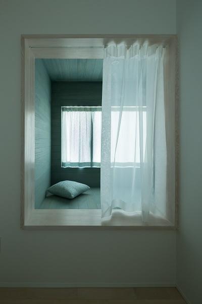出窓型のベッド (cotoiro)
