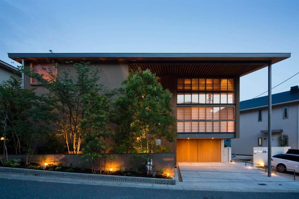 宝塚の住宅2 (道路側外観)