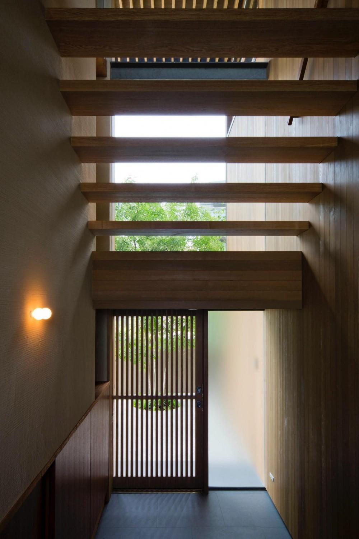 宝塚の住宅2 (玄関ホール)