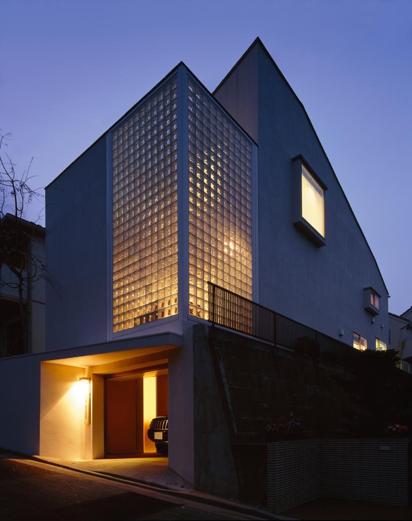建築家:朝倉 元 / 朝倉 美穂「日吉台の家」