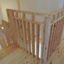地震に強い家(制震住宅+耐震住宅) (木製手すり)