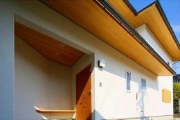 竹林の家 (外観・玄関ポーチ)