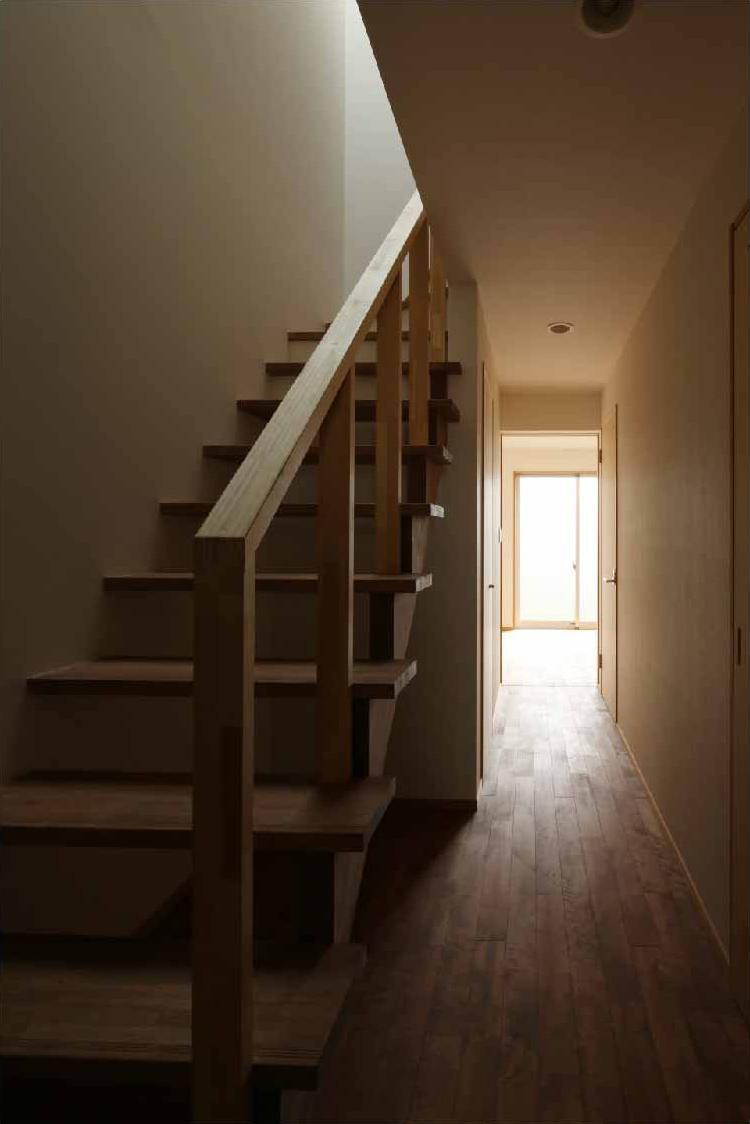 二門開口の家の写真 階段・廊下