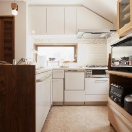 明るく使い勝手のよいL型キッチン