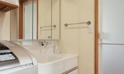 y邸・子ども達のために 自然素材で楽しくリノベーション (洗面所)
