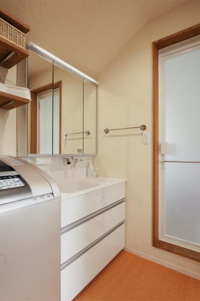 洗面所 (y邸・子ども達のために 自然素材で楽しくリノベーション)