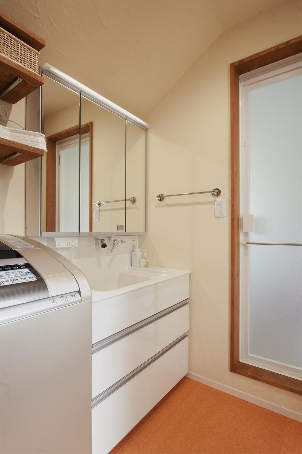 y邸・子ども達のために 自然素材で楽しくリノベーションの写真 洗面所