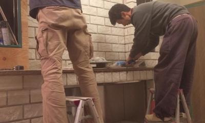 エコ暖炉 施工中|煙突の要らないエコ暖炉造作工事