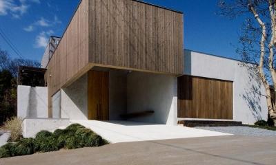 穏やかな時がながれる平屋の空間|中庭と水盤のある家 - BREATH