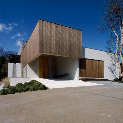穏やかな時がながれる平屋の空間|中庭と水盤のある家 - BREATH (エントランス)