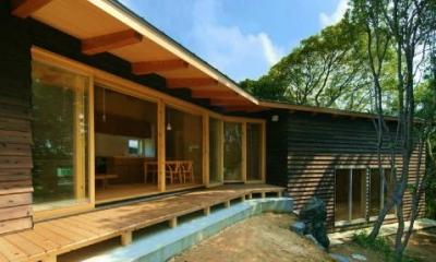 美浜の家 (くの字型の外観)