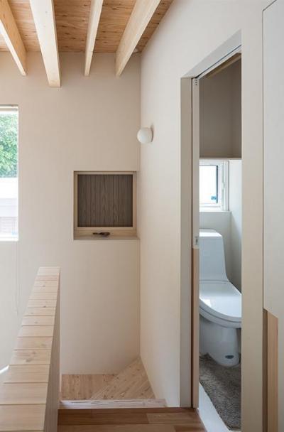 宮の沢の家 (階段・トイレ)