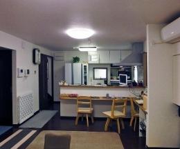 住みながら減築リフォーム (キッチンカウンターのある空間)