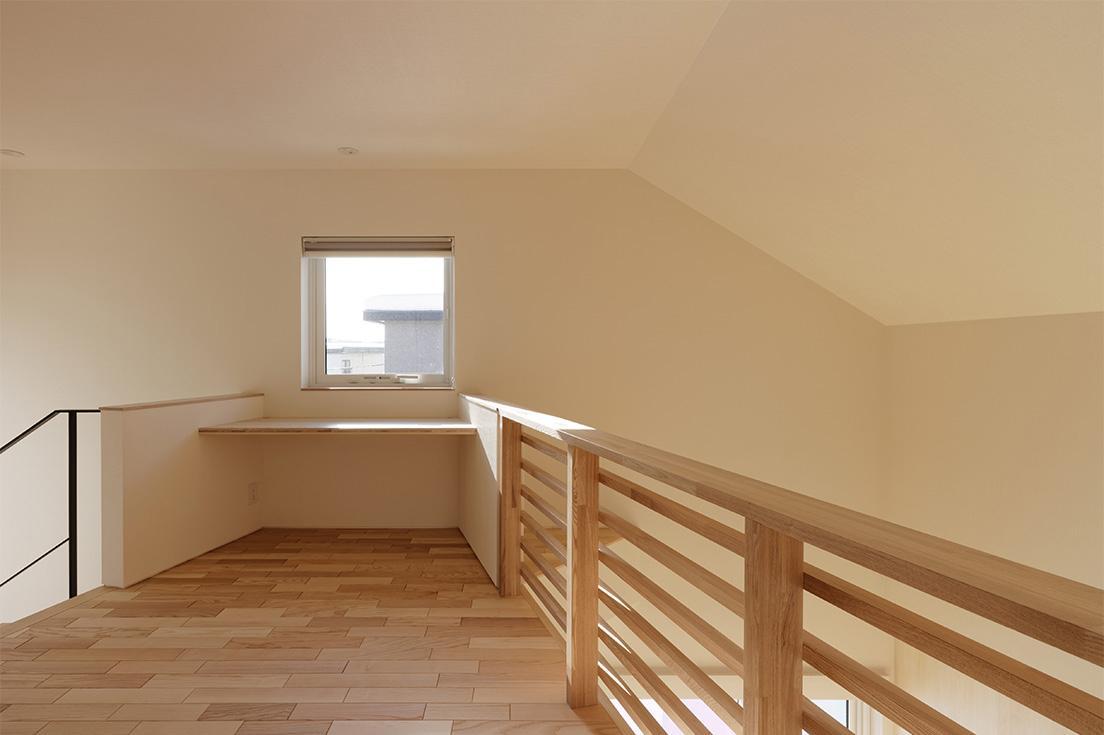 段差を繋ぐ家の部屋 2階ホール 1
