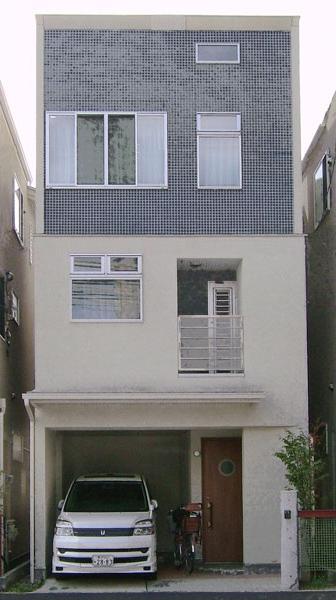 3階建てローコスト住宅 横浜 (ファサード)