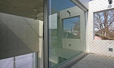 南烏山の二世帯住宅 (宙吊りテラス)