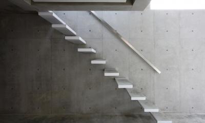南烏山の二世帯住宅 (階段)