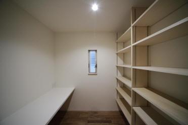 Δハウスの部屋 2F 書斎